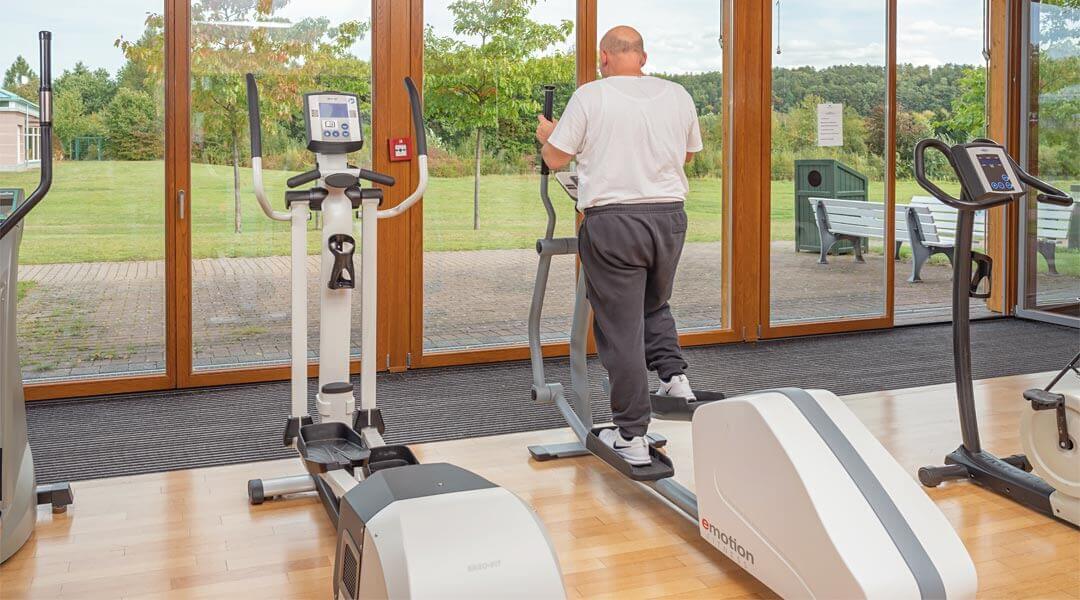 Ergometer training im Sporttherapeutischen Zentrum der Caspar Heinrich Klinik
