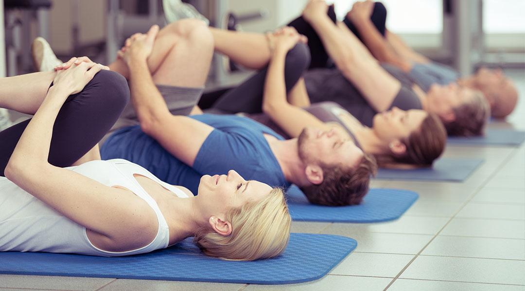 Gymnastik beim Feldenkrais Kurs